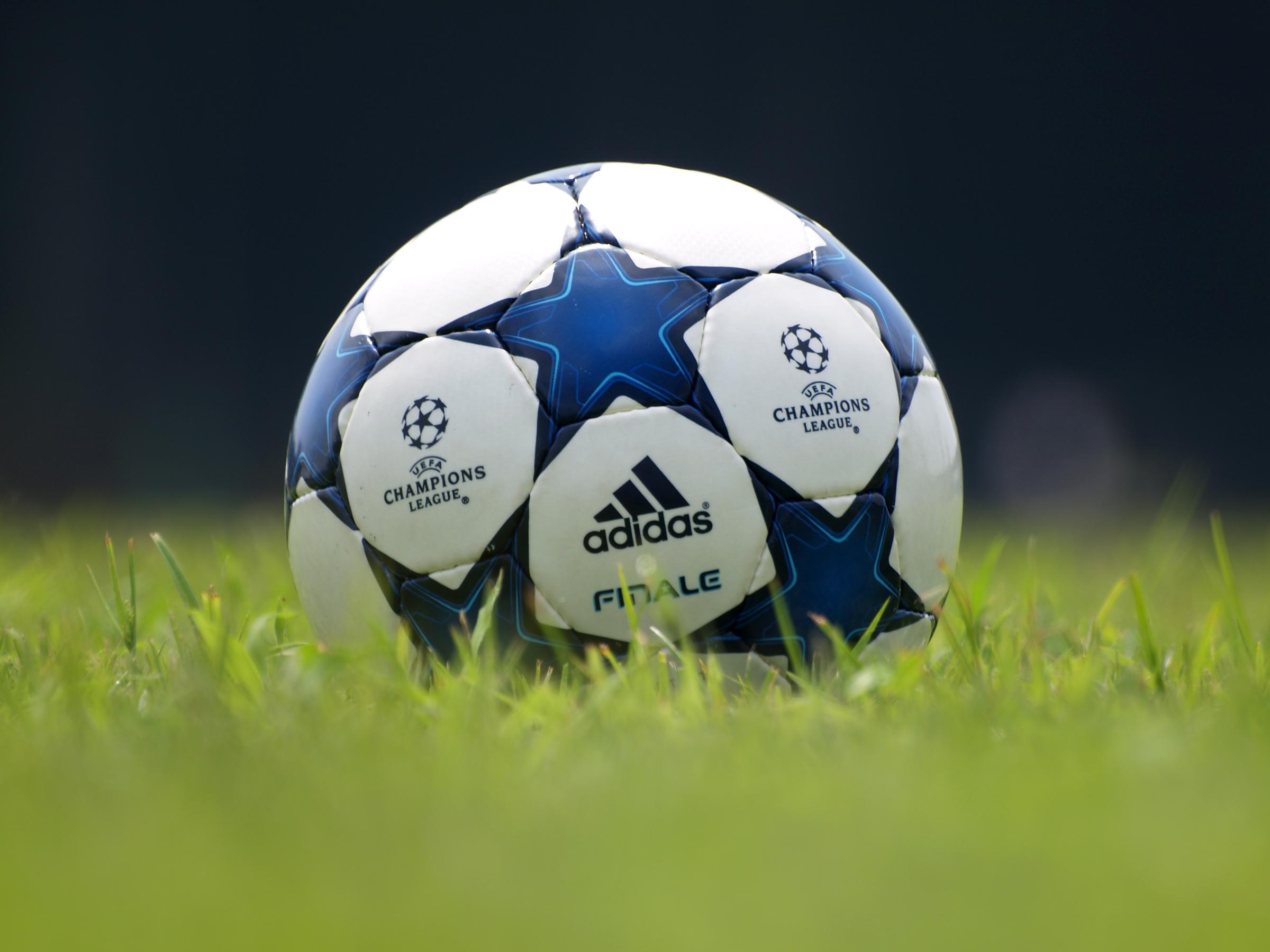 サッカーボール #3 - 著作権フリー商用可!無料画像の写真素材♪ラブフリーフォト